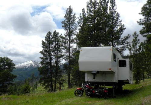 Jayco fifth wheel boondocking on the Bitterroot National Forest